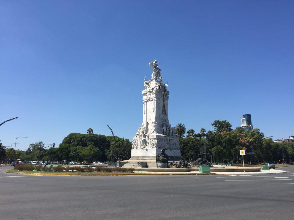 Monumento a la Carta Magna y a las Cuatro Regiones Argentinas o más conocido como Monumento a los Españoles
