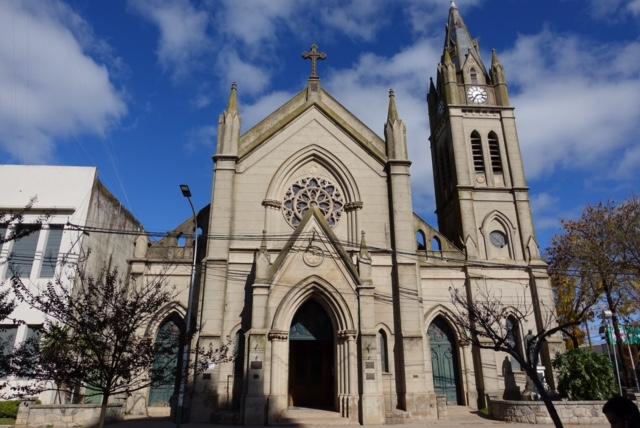 Frente de la Iglesia Nuestra Señora del Carmen