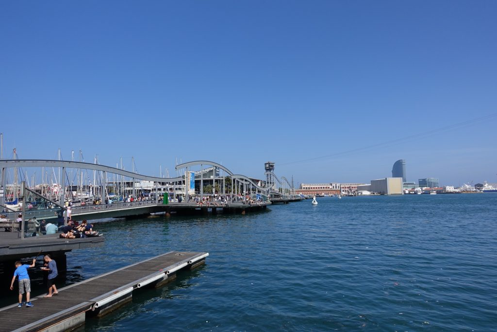 Puerto de Barcelona desde La Rambla
