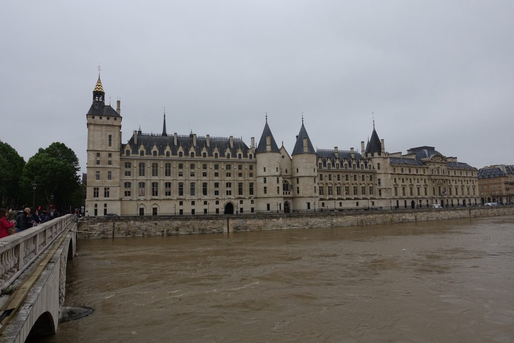 París - La Concergerie en la Isla de la Cité