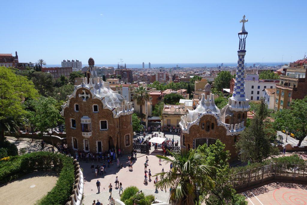 Park Güell - Plaza de la Naturaleza y panorámicas de Barcelona