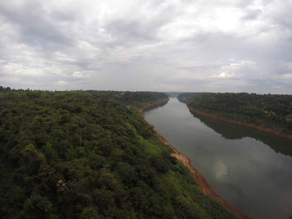Vista a la Triple Frontera desde el Puente Tancredo Neves