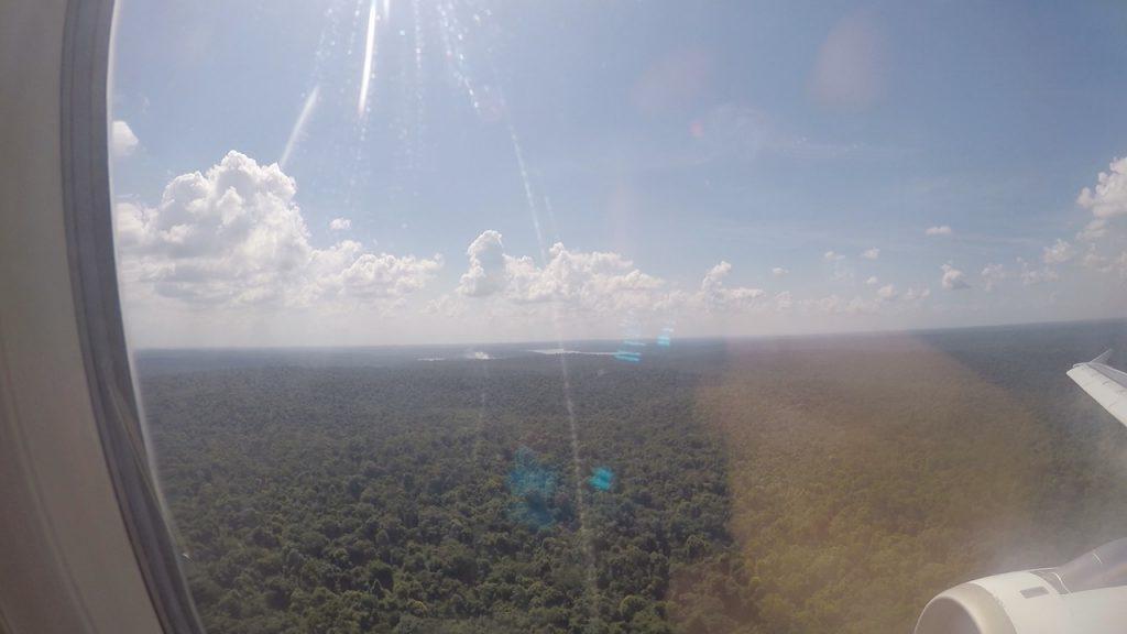 Vista de las Cataratas del Iguazú, lado argentino desde el avión
